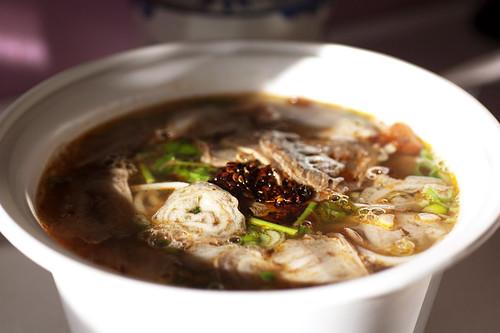 noodles w/ crispy meat @ yun nan flavour snack