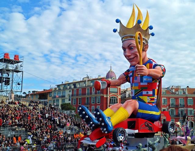 Carnaval de Niza, el más colorido del mundo - Cabezudo en carnaval de Niza