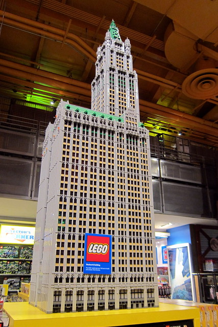 nyc times square toys r us lego woolworth building flickr photo sharing. Black Bedroom Furniture Sets. Home Design Ideas