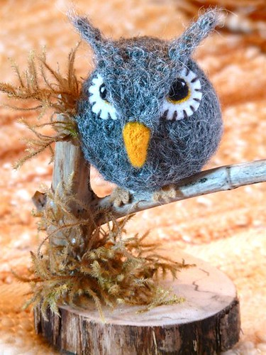 Mini knitted/felted owl