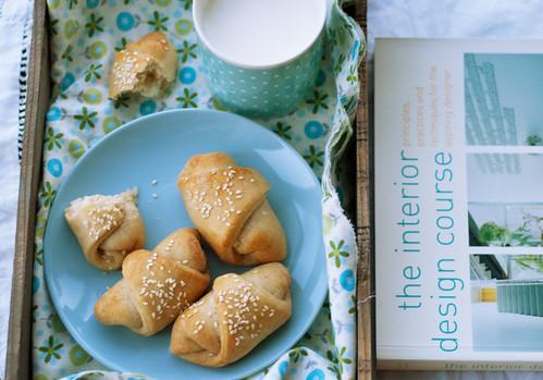feta bread rolls