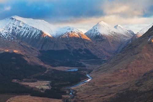 winter snow ice clouds sunrise walking landscape scotland highlands glow ben hiking glen sugar valley glencoe loch tops schottland etive