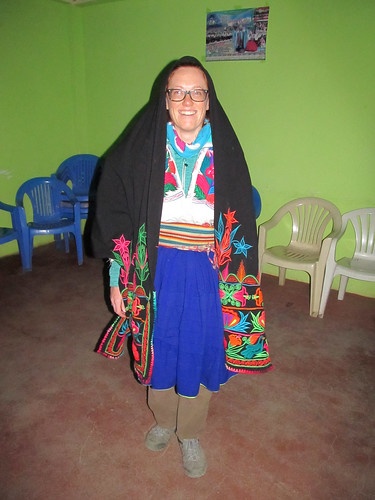 Lac Titicaca: dans la salle communale, prêts pour danser... ;)