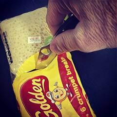 Morning breakfast at work, no real sharp knives, all good my #spydercodelica4 was on hand.   #edcperth #edcaustralia #edcau #aussieedc #prisma #mononokefilter #prismamononokefilter #spydercomonday #spyderco #spydercoconverted #alwayscarryaknife #useyoursh