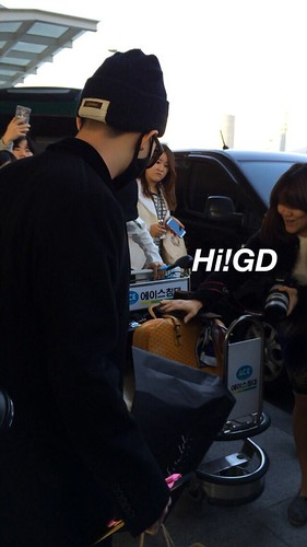 Big Bang - Incheon Airport - 10apr2015 - G-Dragon - Hi GD - 03