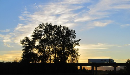 or oregon albanyor i5 sunset tractortrailer