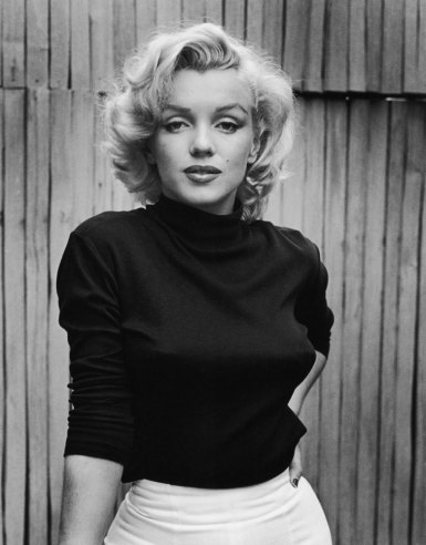 Marilyn Monroe, sweater girl