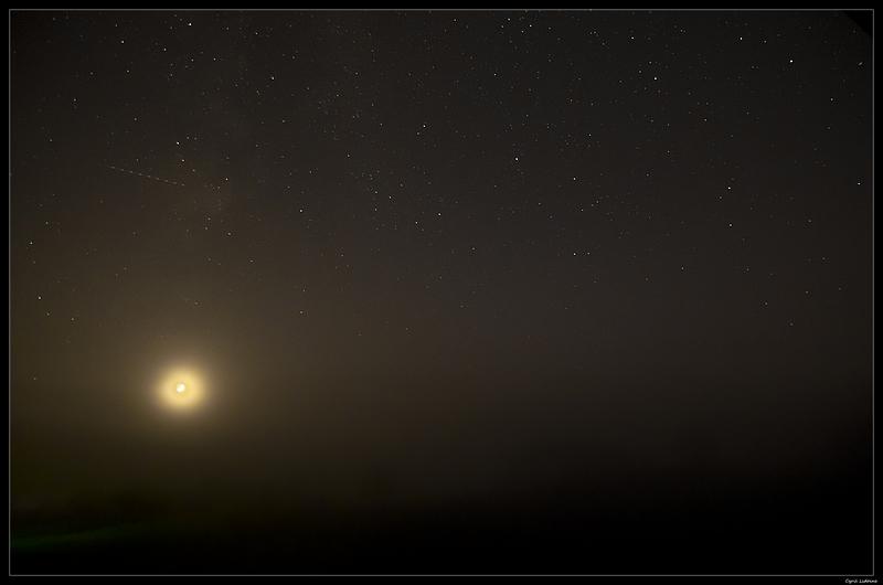 (INCLASSABLE) La Lune, les étoiles et le brouillard 8191502000_c9510b2dac_c