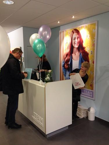 Tafeldecoratie 3ballonnen Team Kapsalon Hoogvliet Rotterdam