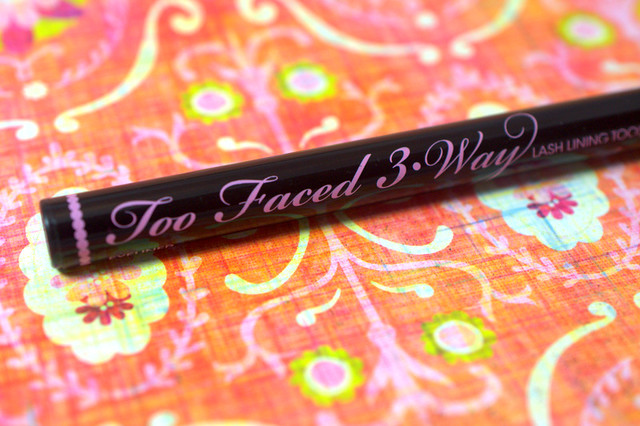 Too Faced 3 Way Lash Lining Tool 2