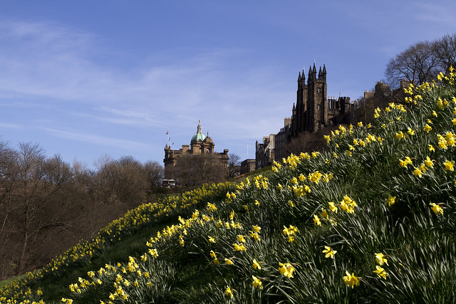 Edinburgh Castlehill in Spring - Flickr CC mariannasaska