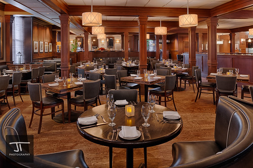 Mission Oak Grill dining room