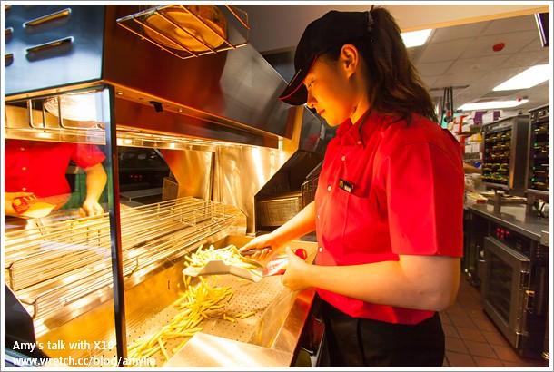 先進備餐系統&高效率管理流程&多對一高效能服務 (3)