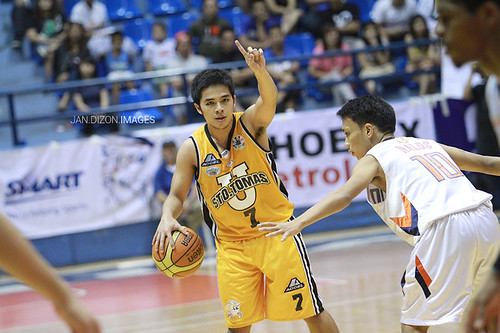 PCCL 2012 Final Four: SWU Cobras vs. UST Growling Tigers, Nov. 25