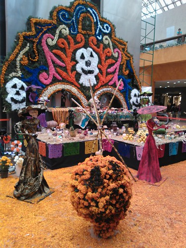 Day of the Dead altar in Plaza Satélite