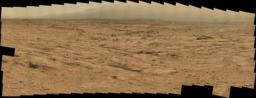 Curiosity sol 107 - 109 mastcam right panorama