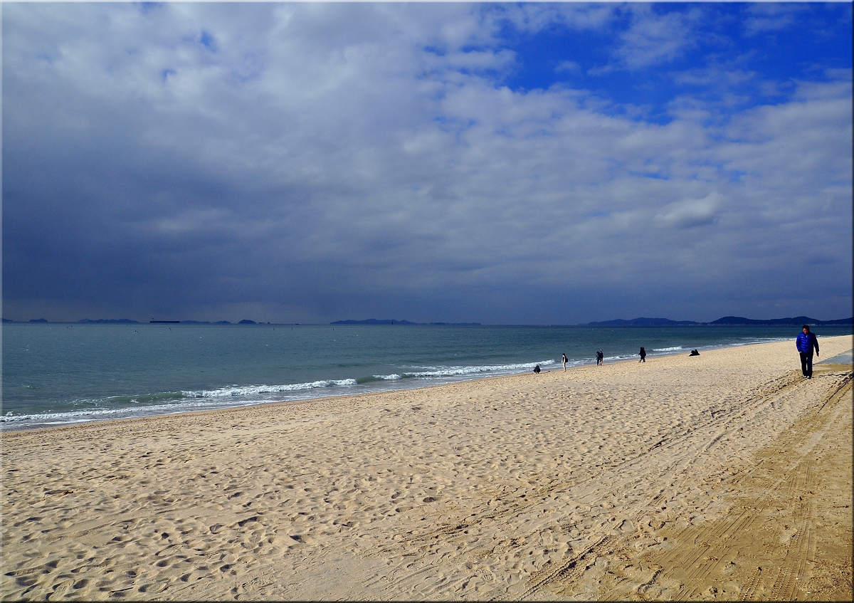 Daejeon Beach, Korea ...a cold November Day, 2012