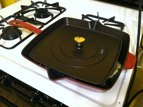 Pre-Heating Staub 12 inch Grill pan and Grill cover