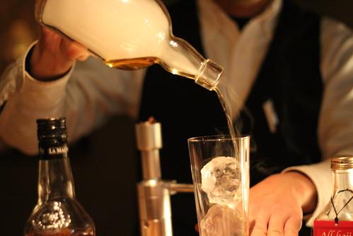 bar cacoi(バーカコイ)_香りを付けたお酒3