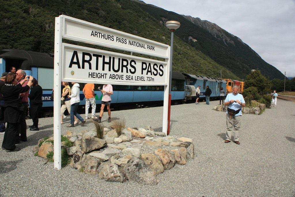 TranzAlpine train, Arthur's Pass station
