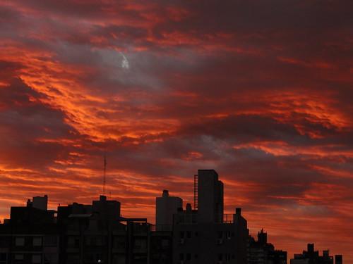 red sky storm santafe argentina buildings contraluz fire rojo edificios silhouettes cielo rosario tormenta fuego siluetas