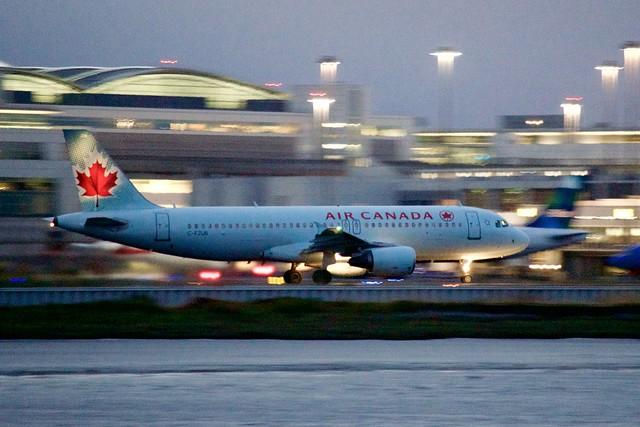 Air Canada Airbus A320 C-FZUB clearer takeoff roll, SFO runway 1R DSC_0398