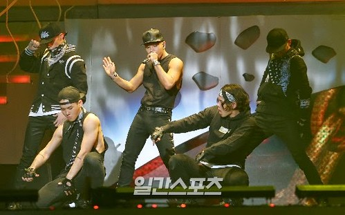Taeyang-GoldenDisc-Awards-mainshow-20150114-press-116
