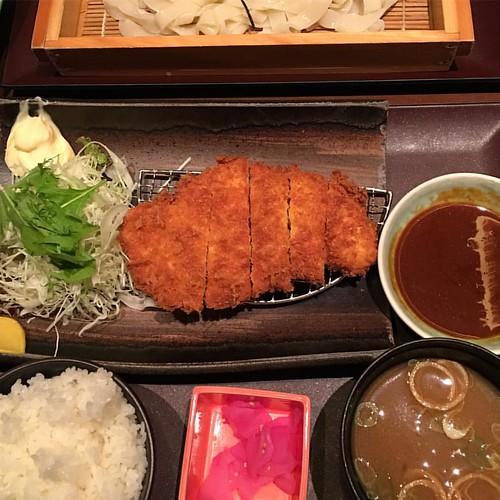 味噌カツ定食たべる!!夜中だけど気にしないよ!! #dinner #風呂ンティア #japan #japanesefood