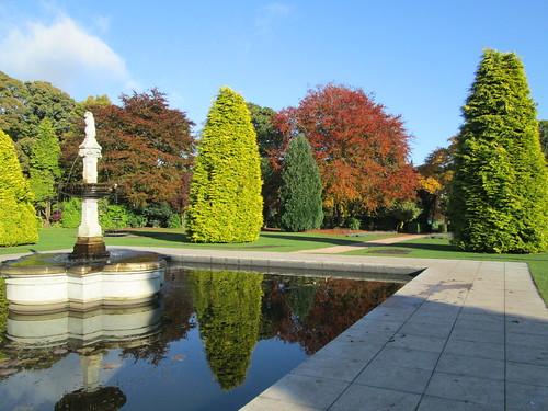 Beveridge Park fountain & trees 1