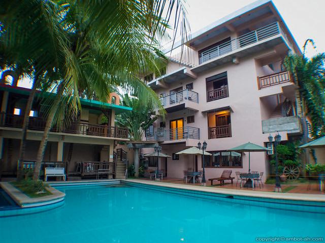 Los Palmas Resort - Tuguegarao City - Cagayan Province, Philippines (062954 - 120124)
