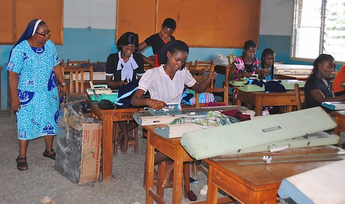 Anna Obada SSL (left) teaching knitting skills to the students at the Mater Dei Vocational Training Centre in Akure, Ondo State, Nigeria