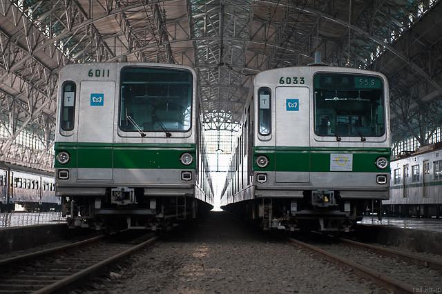 Tokyo Metro Seri6000 11F dan 33F di Stasiun Tanjung Priok