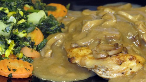 Chicken marsala and mixed vegetables by Coyoty