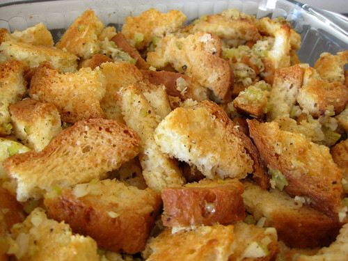 old fashioned bread stuffing/dressing (gluten-free recipe)