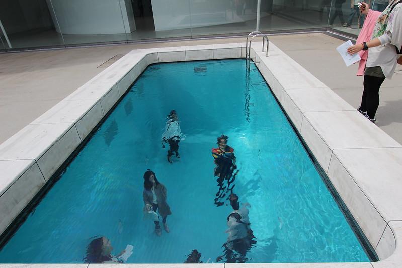 金沢21世紀美術館 レアンドロのプール 外から