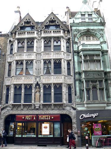 immeuble gothique fleet street.jpg