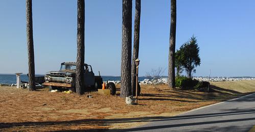 old sky tree abandoned beautiful truck landscape island us bluesky potomac potomacriver 2012