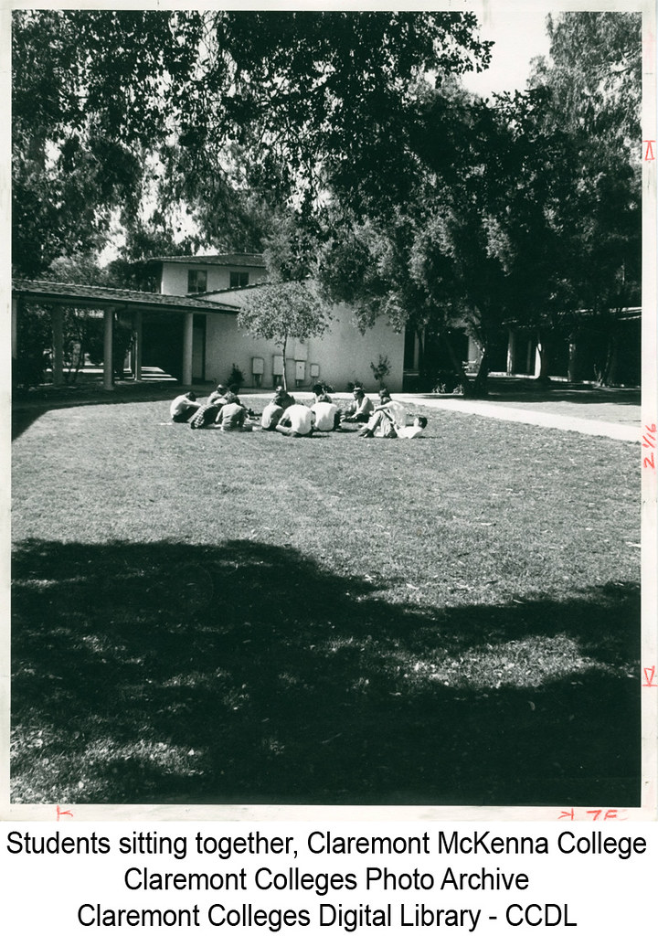 Students siting together, Claremont McKenna College | Flickr