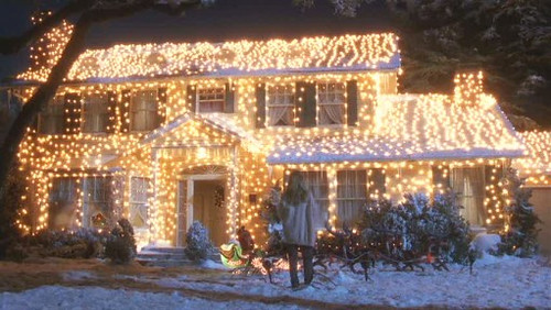 Christmas-Vacation-house-lit-up-511x288