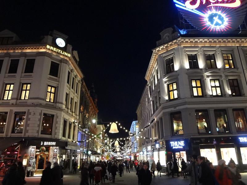 Fotografias de Oslo de noite, Noruega