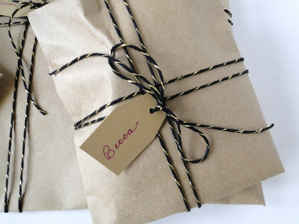 DIY Gift Wrap Envelope 10