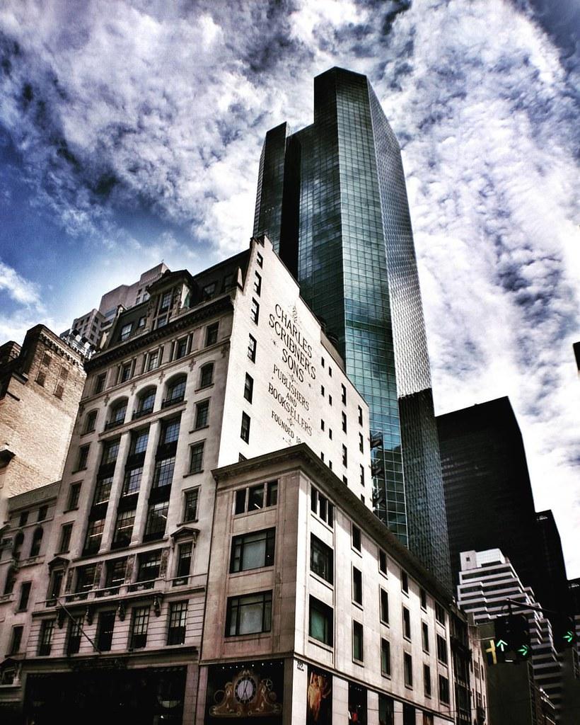 NY buildings  #Newyork #nyc #newyorkcity #manhattan #Photo #Photography #Travel #travelgram #trip #iloveny #ilovenyc #newyorkphoto #instacool #instanewyork #mynyc #bigapple #Architecture #archilovers #thebigapple #building #colorful #igers #newyorknewyork