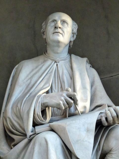 Florence - jour 1 - 076 - Piazza del Duomo - Statue de Brunelleschi
