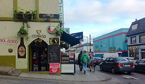Pub and Windsor Inn, Cork width=
