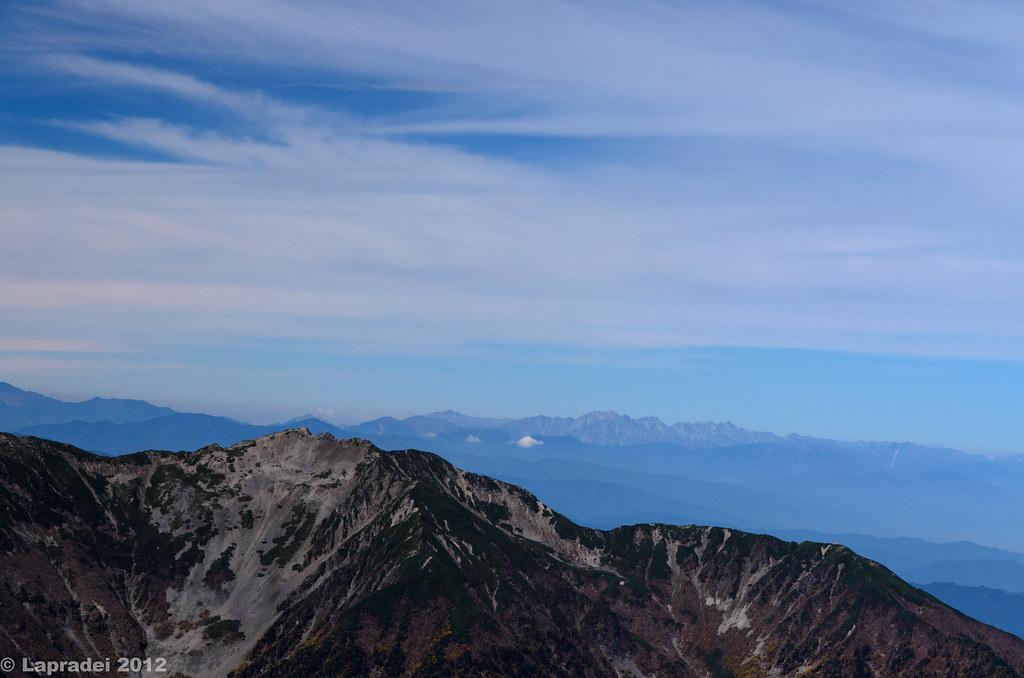 仙丈ヶ岳と北アルプスの山々