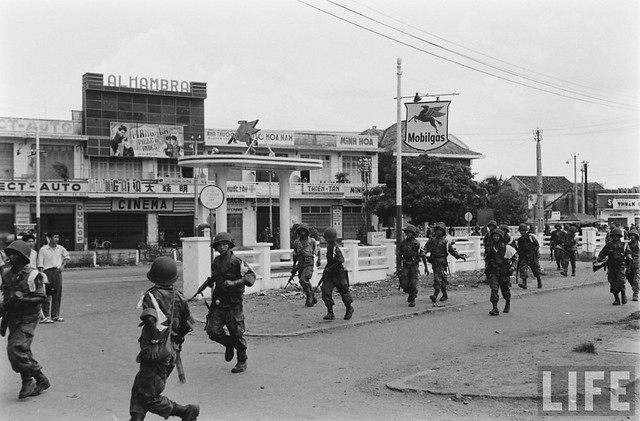 SAIGON 1955 - Attacking the Binh Xuyen Rebels