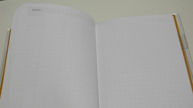 2013南寶跨年日誌。方眼格空白頁