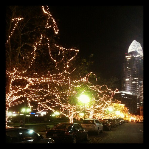 One more photo of the lights at Lytle Park @DowntownCincy! #SoPretty