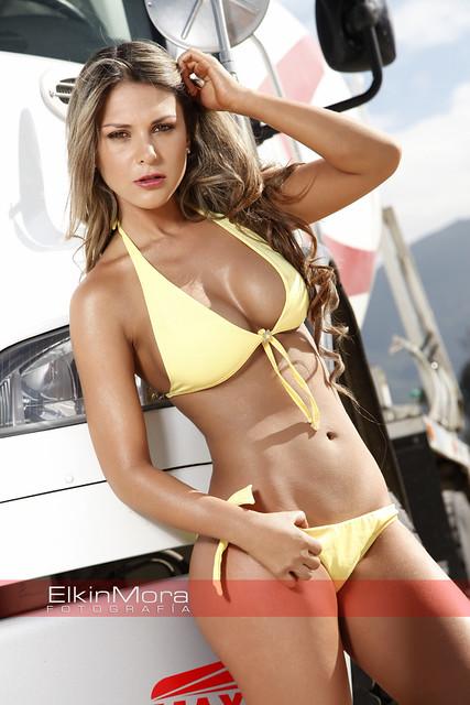 Jessica arias modelo vestido de ba o flickr photo - Modelo de banos ...
