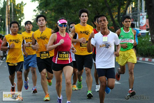 3rd Place 12K Women with Piolo Pascual